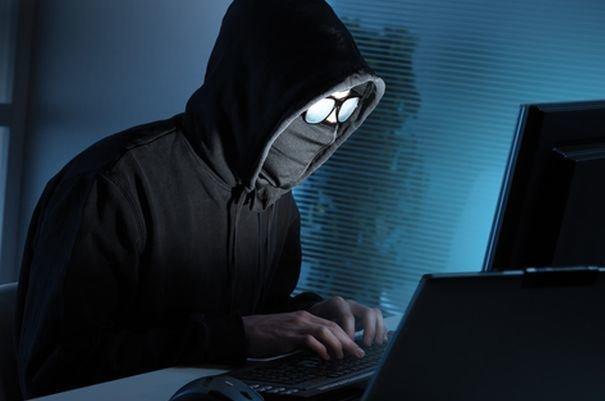 جاسوسی هکرها از صفحه نمایش رایانه، گوش دادن به اطلاعات با میکروفون
