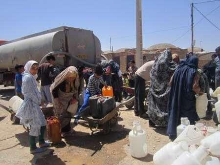 خبرنگاران 10 روستای گناباد با تانکر آب رسانی می گردد
