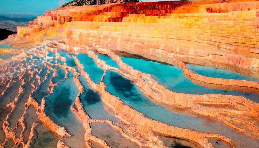 باداب سورت : راهنمای سفر به باداب سورت، چشمه های هفت رنگ